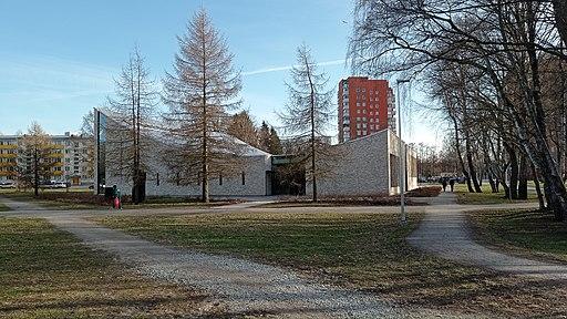 Mustamäe Maarja Magdaleena kirik (tagant, Aprill 2021)