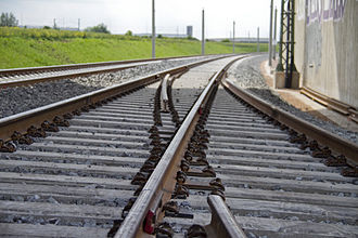 Erfurt–Leipzig/Halle high-speed railway - A special feature for a German high-speed line is the frog and centerpiece-free set of points at the junction with the siding to Erfurt-Vieselbach substation, with operations possible at 200 km/h on the main line.