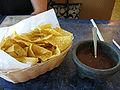 Nachos y salsa.jpg