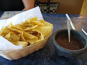 Nachos y salsa