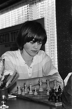 Nationaal kampioenschap schaken dames in Mijdrecht Nederlands kampioene Erika B, Bestanddeelnr 931-5015.jpg