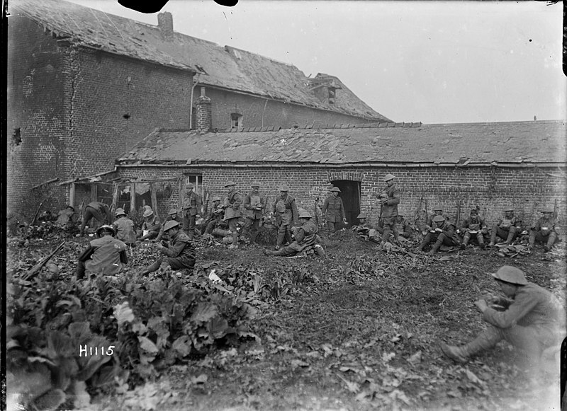 File:New Zealand Soldiers Eating After An Attack Near