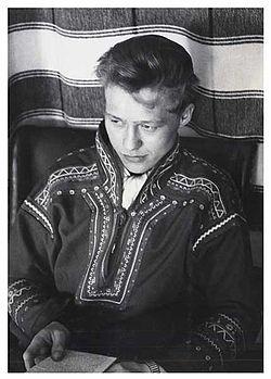 Nils-Aslak-Valkeapaa.jpg