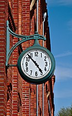 Nordwolle Delmenhorst Haupttor Uhr.jpg