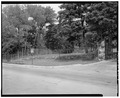 North half of gate - view looking northeast - Beech Grove Cemetery, 353 Kilgore Avenue, Muncie, Delaware County, IN HABS IND,18-MUNCI,11-8.tif