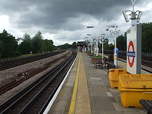 Northwick Park tube station - Image: Northwick Park stn northbound look north