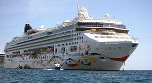 Norwegian Star - Cabo San Lucas - 2006.jpg