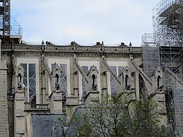 Notre-Dame - 2019-05-31 - Nave from the south 01.jpg