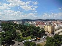 Novoměstská radnice, pohled na Karlovo náměstí (01).jpg
