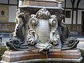 Obelisc del claustre (Capitania General) 04.JPG