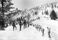 Offiziere kontrollieren Schneeräumarbeiten - CH-BAR - 3239534.tif