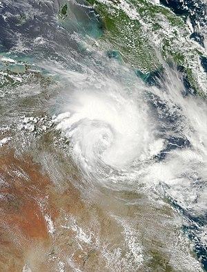 Cyclone Oswald - Image: Oswald Jan 21 2013 0425Z