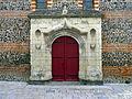 P1290022 Savennières eglise St-Pierre-St-Romain porche rwk2.jpg