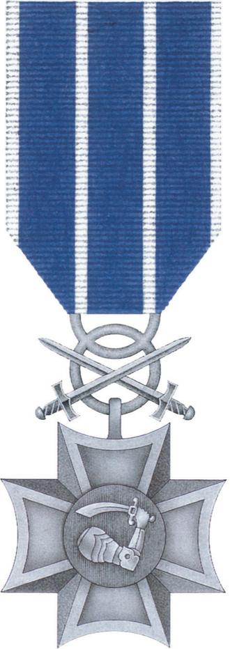 Military Cross of Merit (Poland) - Image: POL Morski Krzyz Zaslugi z Mieczami awers