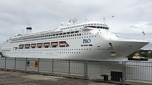 Pacific Dawn (ship) at Portside Wharf 02 (16.9).jpg
