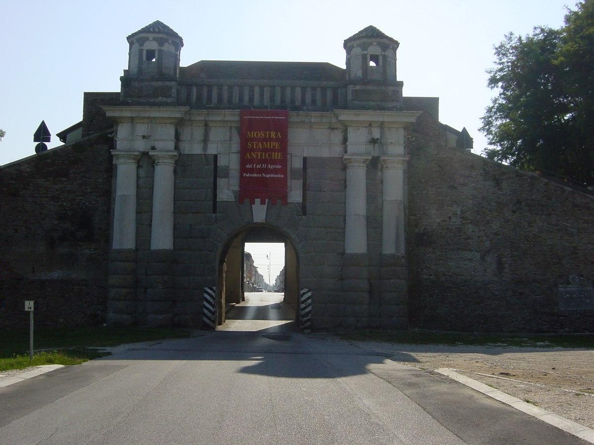 Palmanova, Porta. Foto Giovanni Dall'Orto - luglio 2005.jpg