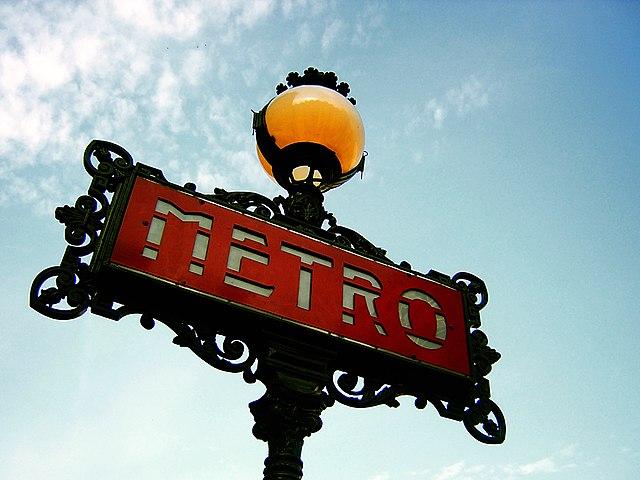 Ein Zeichen der Pariser Métro