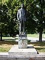 Park Přátelství, socha, Jiří Wolker.jpg