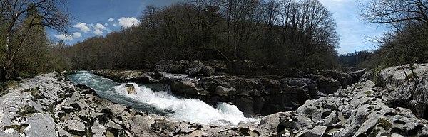 Pertes de la Valserine13 2015-04-12.jpg