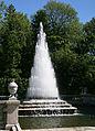 Peterhof PiramidFountain.jpg