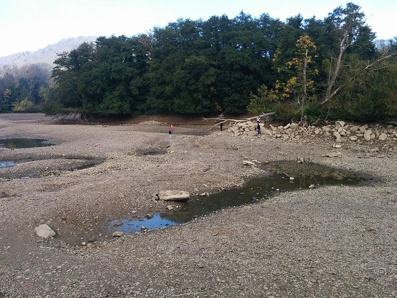 Petite Île de Godinne, lors du chômage de la Meuse de 2017.