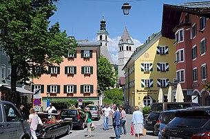 Центр с видом на приходскую церковь Zum Heiligen Andreas и Liebfrauenkirche.