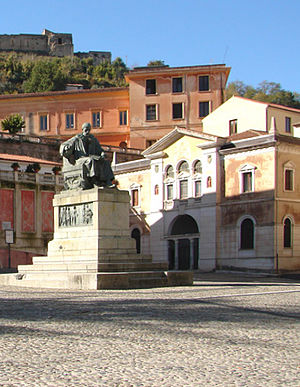 Accademia Cosentina - The accademia, with the statue of Bernardino Telesio in front of it