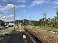 Platform of Chikuzen-Yamae Station.jpg