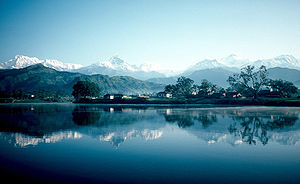 ポカラ: Pokhara and Phewa Lake