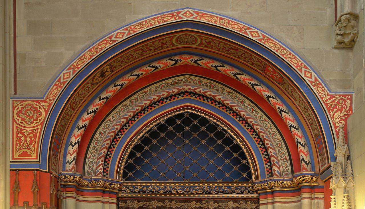 File porte de la chapelle des maccab es saint pierre for Porte de la chapelle