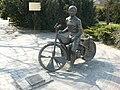 Posąg Edwarda Jancarza w Gorzowie Wlkp.JPG