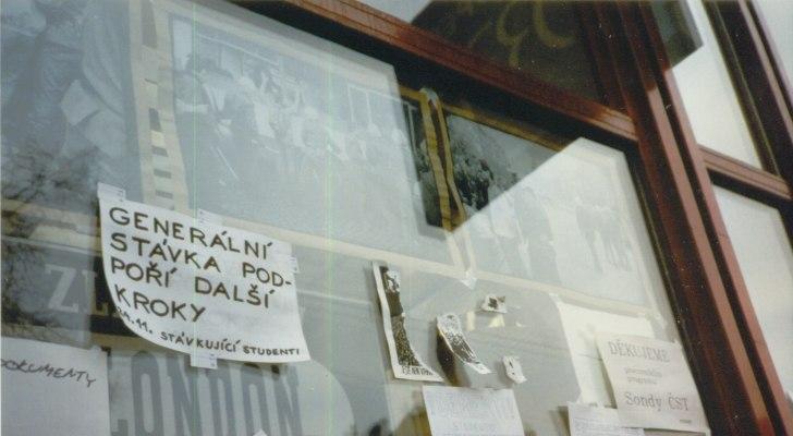 Prague November 1989 - Announcements