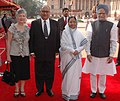 Pratibha Devisingh Patil and the Prime Minister, Dr. Manmohan Singh at the ceremonial reception of the Governor-General of New Zealand, Mr. Anand Satyanand, and his wife Mrs. Susan Satyanand, at Rashtrapati Bhavan (1).jpg