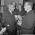 Première van de verzetsfilm De Overval in Tuschinski, Minister President De Qu, Bestanddeelnr 914-6321.jpg