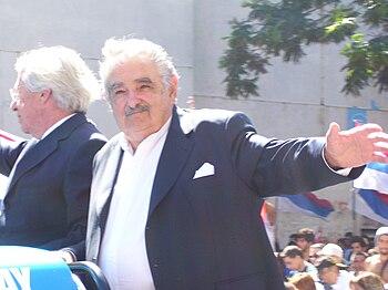Presidente Mujica Saludando 2010