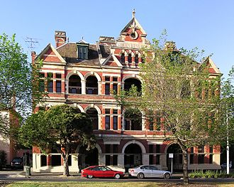 East Melbourne, Victoria - Queen Bess Row