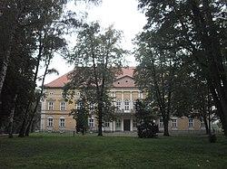 Radłów. Pałac z parkiem1.jpg