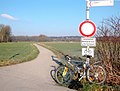 Radweg durch die Ruhraue.jpg