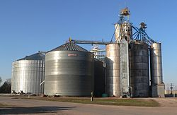 Grain elevator in Ragan