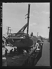 Ramp boats on railroad cars 8d39874v.jpg