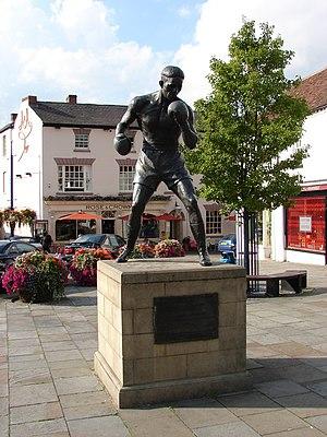 Randolph Turpin - Statue of Randolph Turpin in Market Square, Warwick, Warwickshire, England