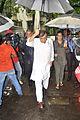 Ranjeet visits Dara Singh's home 13.jpg