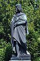 Raphael Sanzio (Denkmal im Park des Liechtenstein Sommerpalais,Wien 9.).jpg