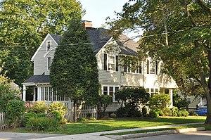 House at 242 Summer Avenue - Image: Reading MA 242Summer Avenue