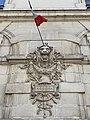 Relief et drapeau (pompiers) Rue Rabelais (Lyon).jpg