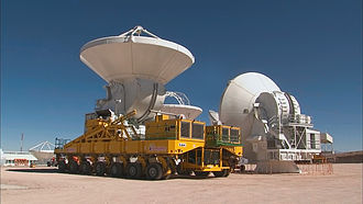 Structure relocation - Image: Relocation of an ALMA antenna