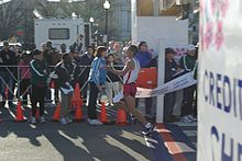 Ridouane Harroufi winning the 2009 Credit Union Cherry Blossom 10-mile race.jpg