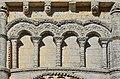 Rioux 17 Église abside arcature&frises 2014.jpg