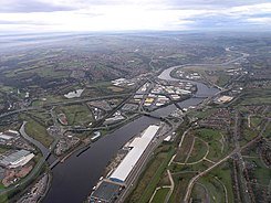 River Tyne.Scotswood Bridge.Vickers Armstrong Works - geograph.org.uk - 486153.jpg