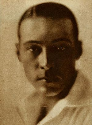 Rudolph Valentino - Valentino around the late 1910s